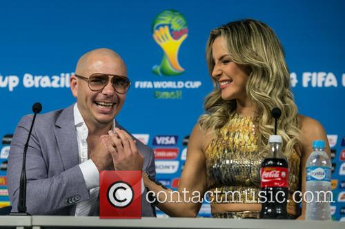 Pitbull and Claudia Leitte 5