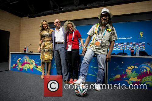 Pitbull, Claudia Leitte, Coreografa Daphne Cornez and Joao Jorge Rodrigues 4
