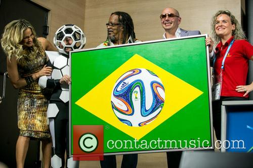 Pitbull, Claudia Leitte, Coreografa Daphne Cornez and Joao Jorge Rodrigues 6