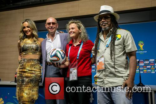 Pitbull, Claudia Leitte, Coreografa Daphne Cornez and Joao Jorge Rodrigues 9