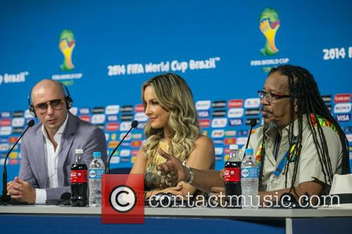 Pitbull, Claudia Leitte and Joao Jorge Rodrigues 7