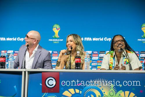 Pitbull, Claudia Leitte and Joao Jorge Rodrigues 11