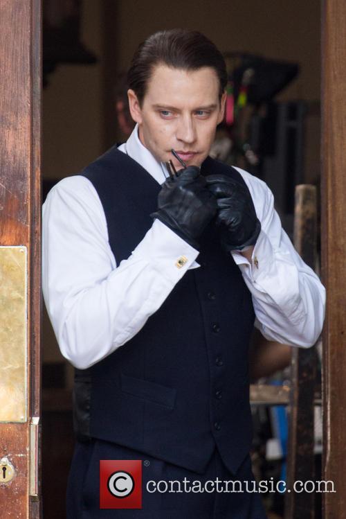 Tom Hardy Filming 'Legend'