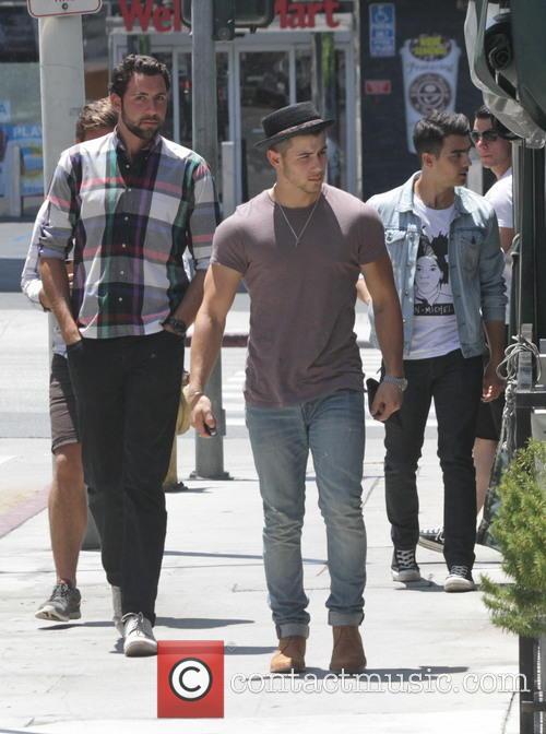 Nick Jonas and Joe Jonas 1