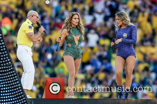 Jennifer Lopez, Claudia Leitte and Pitbull 5