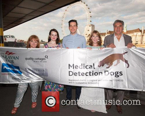jim Carter, Lesley Nicol, Sophie Mcshera, Rob James-collier and  phyllis Logan 2