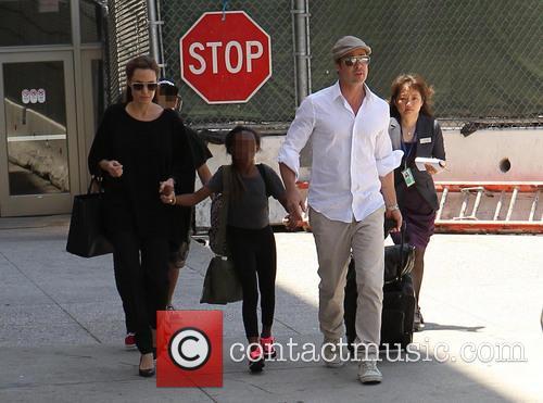 Angelina Jolie, Brad Pitt and Zahara Jolie-pitt 11