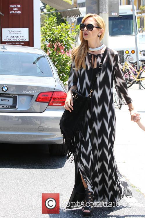 Rachel Zoe steps out to the Brentwood Country...