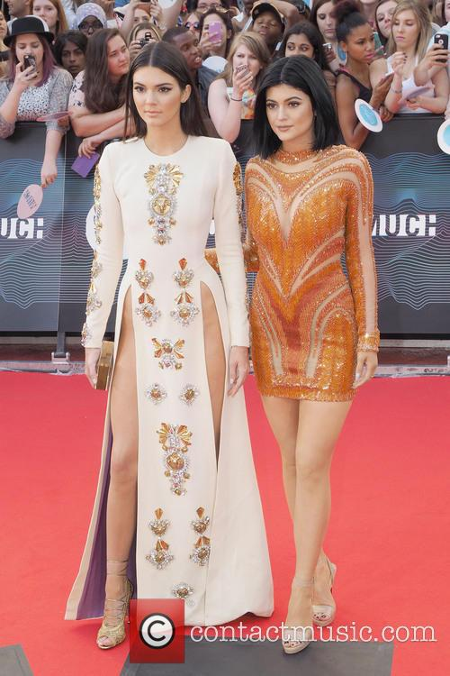 Kendall Jenner and Kylie Jenner 3