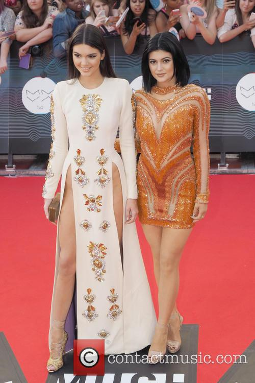 Kendall Jenner and Kylie Jenner 1