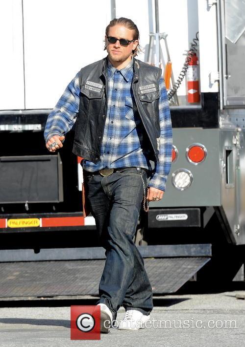 Charlie Hunnam 25