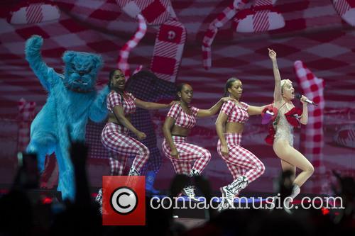 Miley Cyrus 19