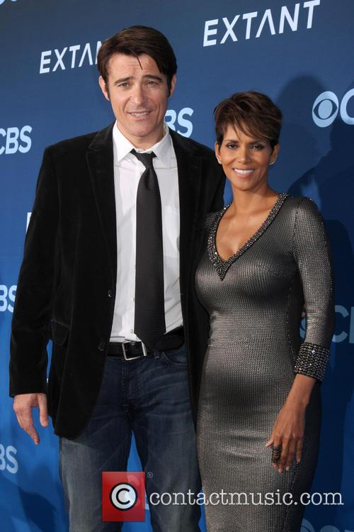 Goran Visnjic and Halle Berry 1