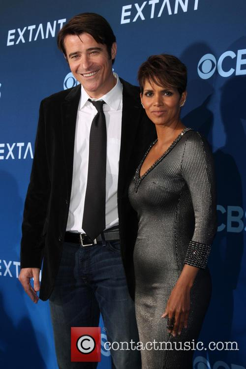 Goran Visnjic and Halle Berry 3