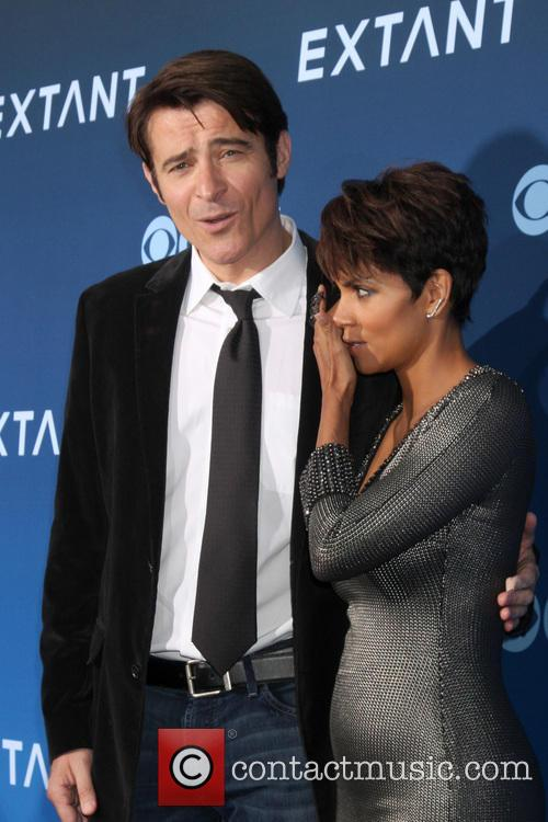 Goran Visnjic and Halle Berry 4