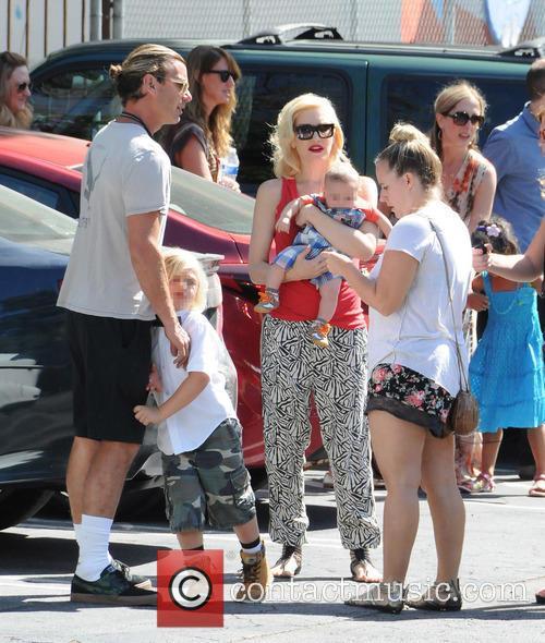 Gwen Stefani, Gavin Rossdale, Zuma Rossdale and Apollo Rossdale 11