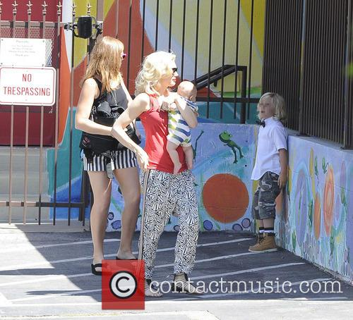 Gwen Stefani, Zuma Rossdale and Apollo Rossdale 3