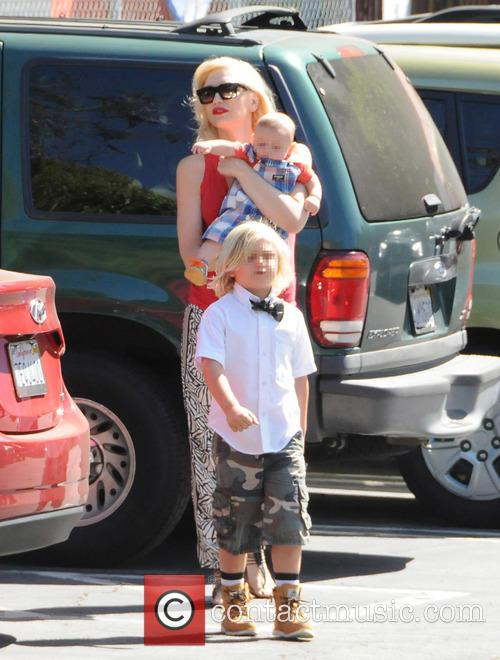Gwen Stefani, Zuma Rossdale and Apollo Rossdale 6