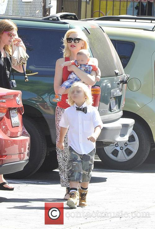 Gwen Stefani, Zuma Rossdale and Apollo Rossdale 10