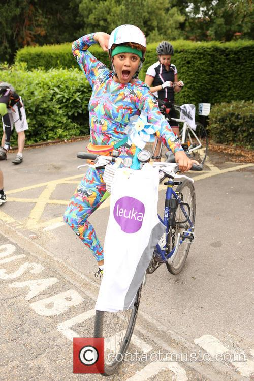 Gemma Cairney cycles from London to Paris