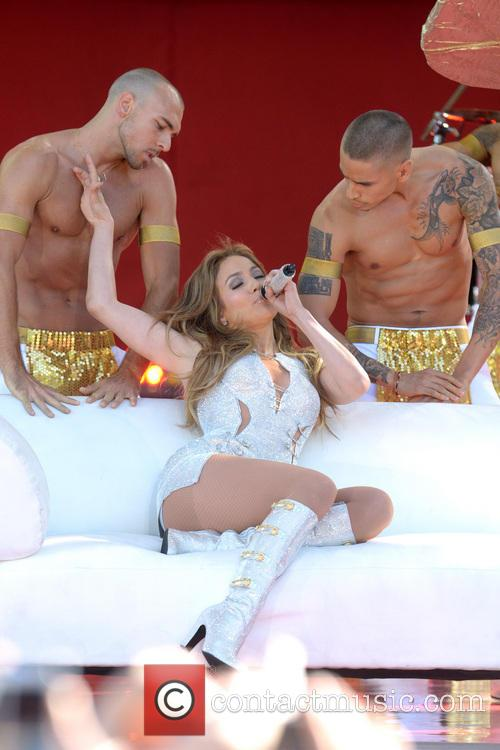 Jennifer Lopez 37
