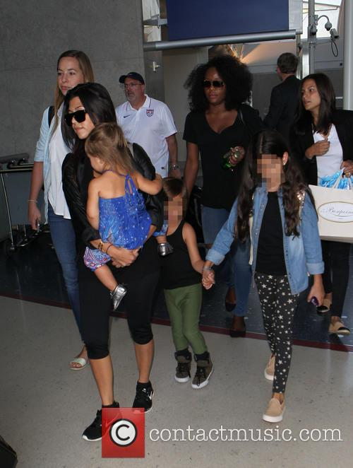 Kourtney Kardashian, Mason Disick and Penelope Disick 5