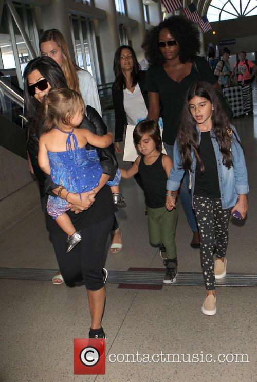 Kourtney Kardashian, Mason Disick and Penelope Disick 7