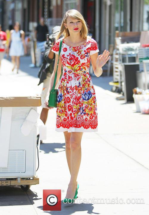 taylor swift taylor swift out and about 4254749
