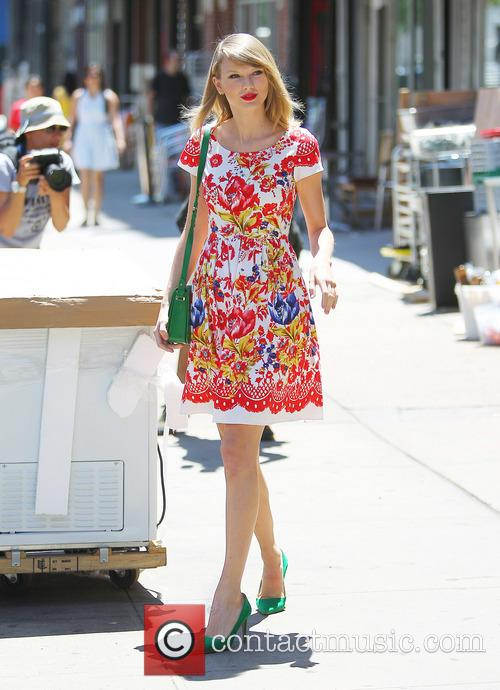 taylor swift taylor swift out and about 4254755