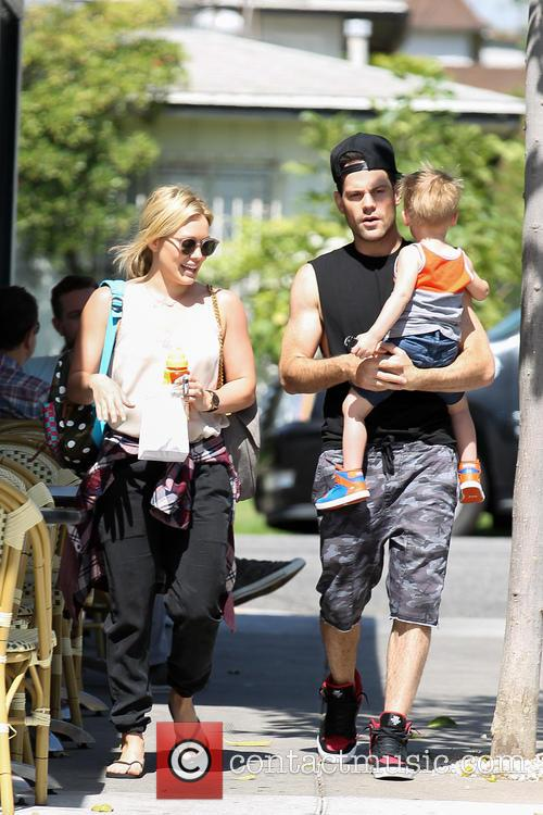 Hilary Duff, Mike Comrie and Luca Comrie 23