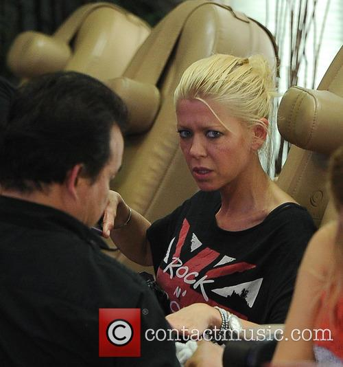 Tara Reid treats herself to a mani/pedi at...