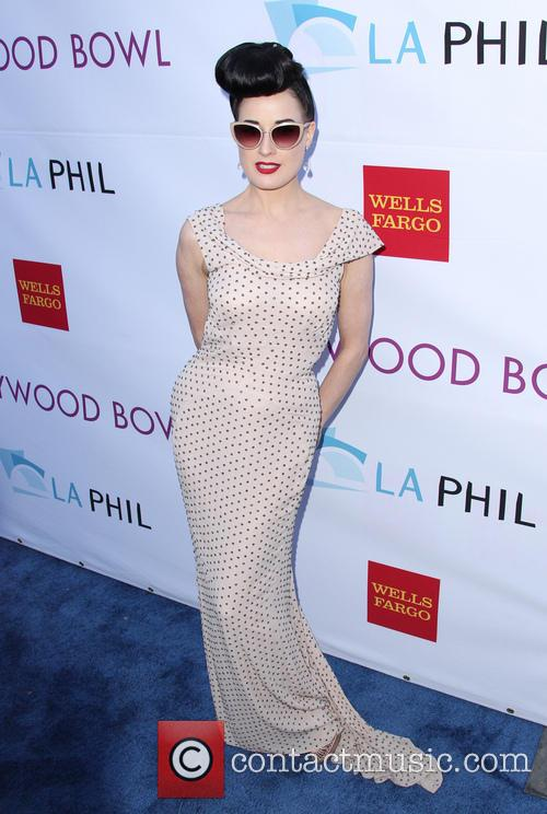 Dita Von Teese, Hollywood Bowl