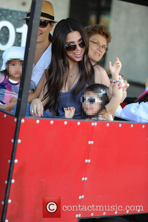 Roselyn Sanchez and Sebella Rose Winter 9