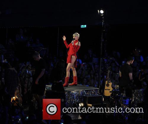 Miley Cyrus 77