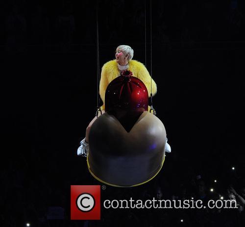 Miley Cyrus 90