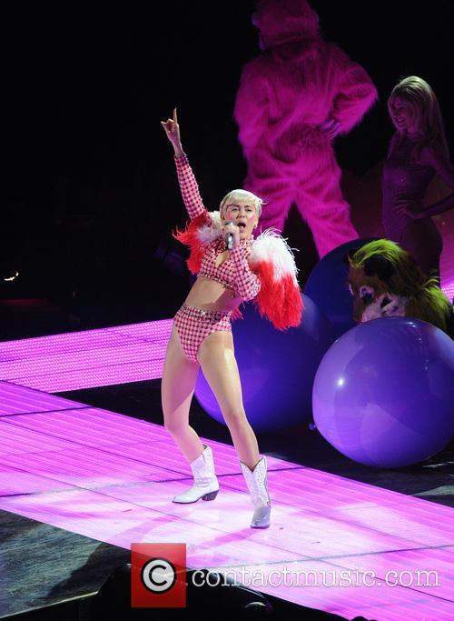 Miley Cyrus 135