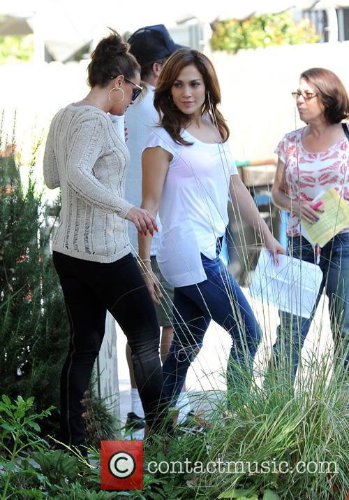 Jennifer Lopez and Leah Remini 10