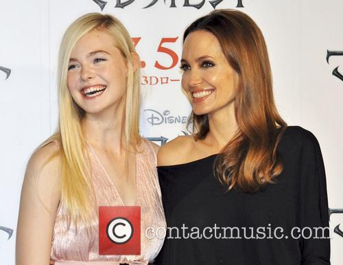 Elle Fanning and Angelina Jolie 4