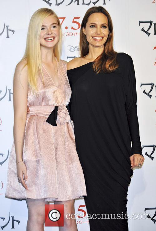 Elle Fanning and Angelina Jolie 6