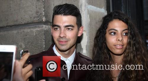 joe jonas celebrities attend the valentino show 4259983