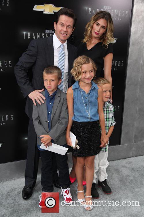 (l-r) Brendan Wahlberg, Mark Wahlberg, Ella Rae Wahlberg, Rhea Durham and Michael Wahlberg 3