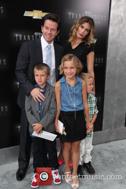 (l-r) Brendan Wahlberg, Mark Wahlberg, Ella Rae Wahlberg, Rhea Durham and Michael Wahlberg 1