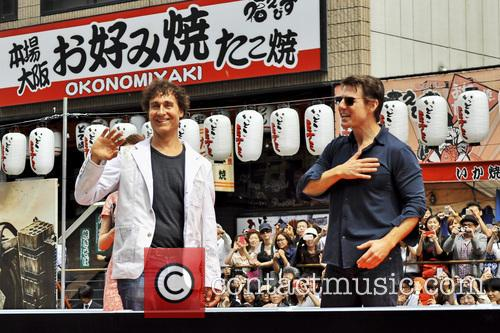 Doug Liman and Tom Cruise 1