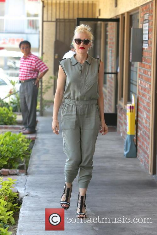 Gwen Stefani spotted arriving at an acupuncture clinic