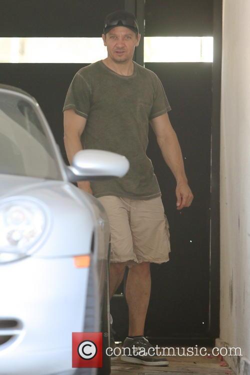 Jeremy Renner 8