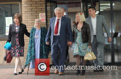 Rolf Harris, Bindi Harris and Alwen Hughes 7