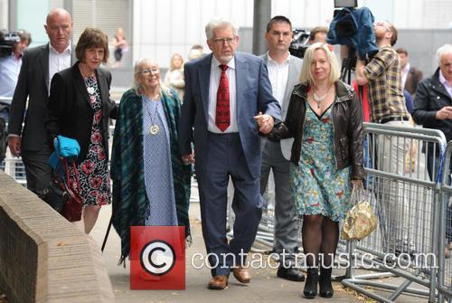 Rolf Harris, Bindi Harris and Alwen Hughes 11