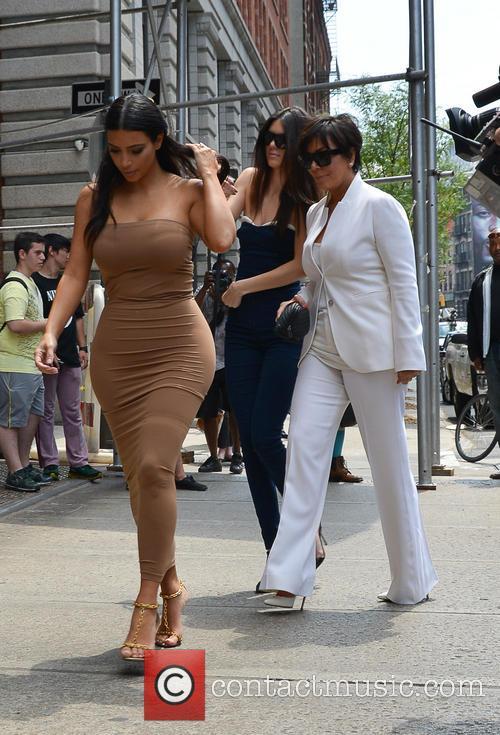 Kendall Jenner, Kim Kardashian and Kris Jenner 8