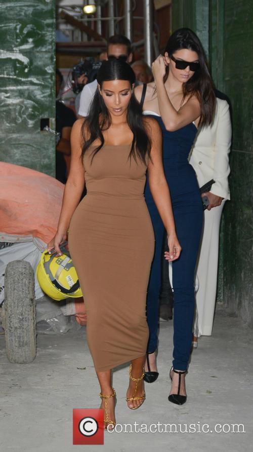 Kendall Jenner and Kim Kardashian 7
