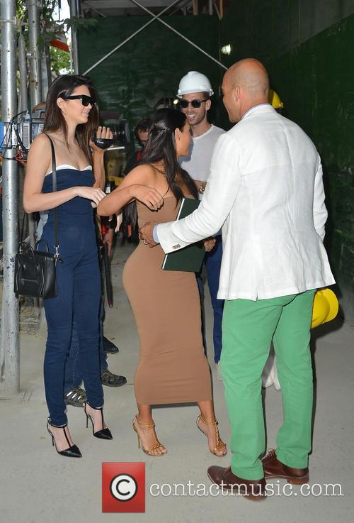 Kendall Jenner and Kim Kardashian 12